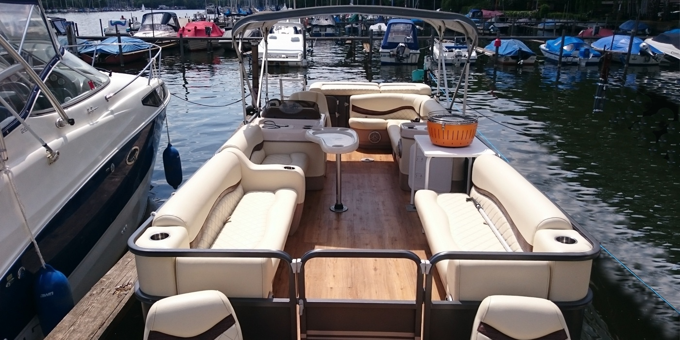 pontonboot partyboot mit grill soundanlage mieten. Black Bedroom Furniture Sets. Home Design Ideas